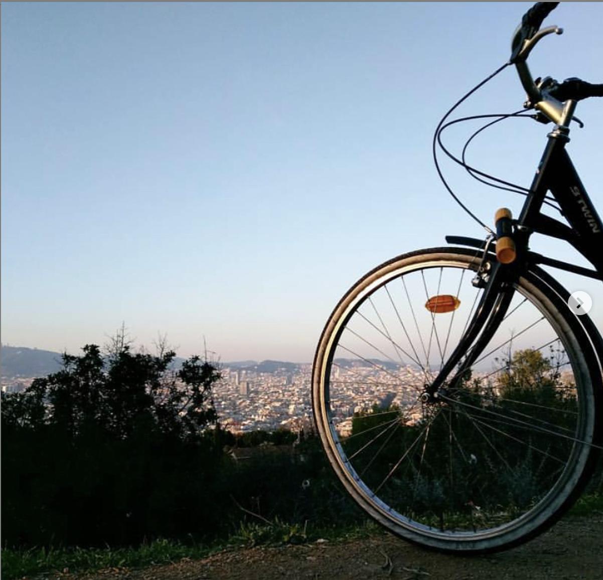 """How to ride a bike in Barcelona? + """"Bike lane Map"""""""